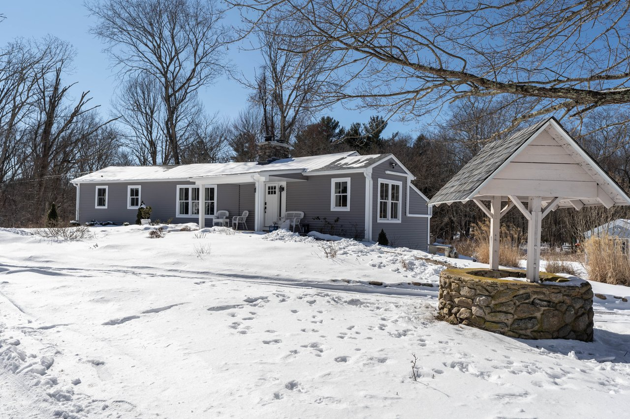 Spectacular ranch, on 3+ acres in East Lyme