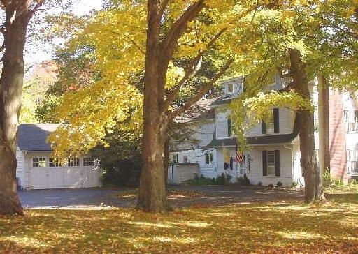 220 Greenfield Hill