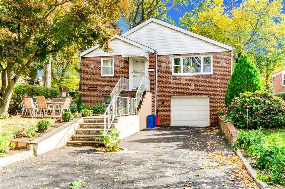 18 Massitoa Road, Yonkers, NY For Sale | Julia B. Fee