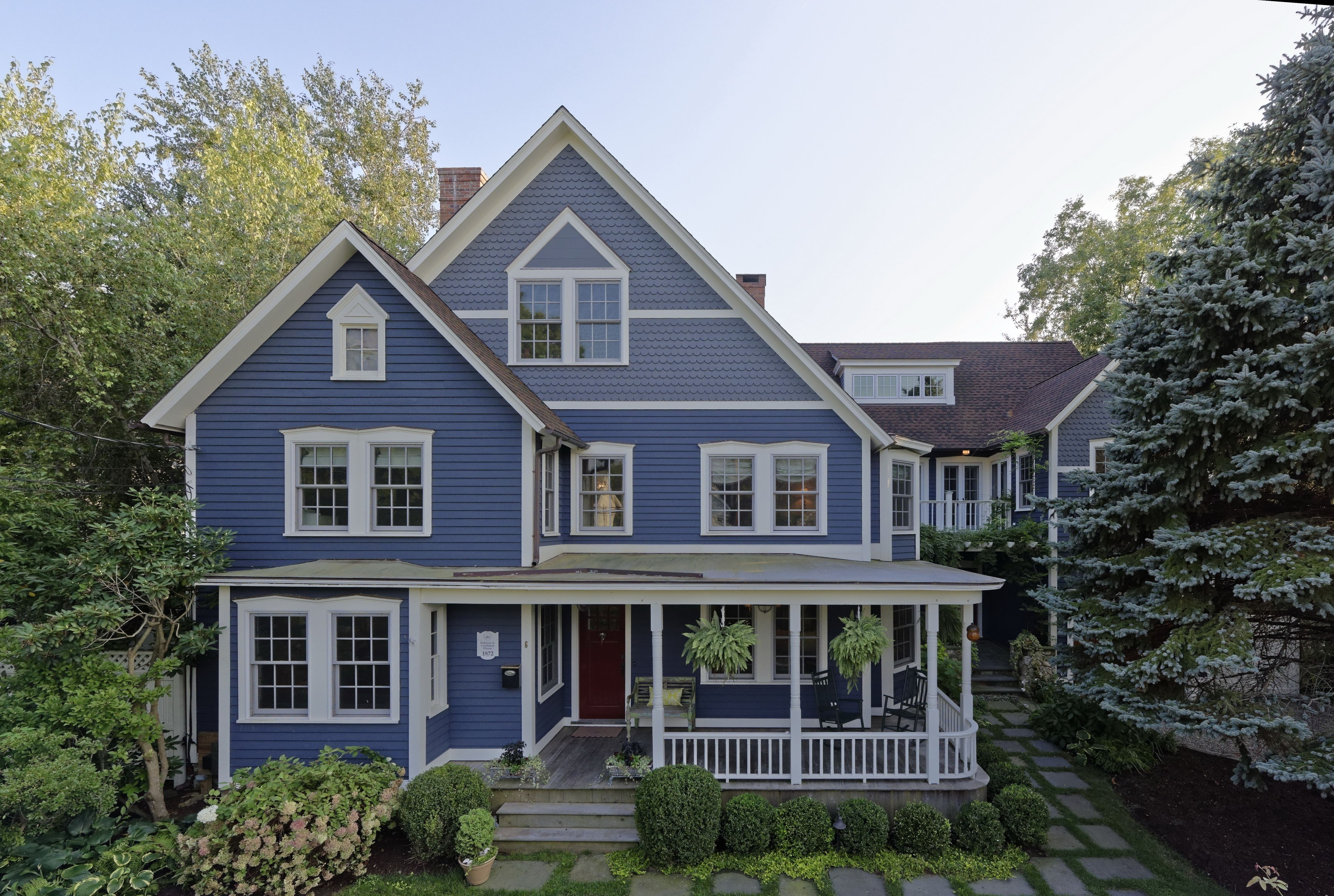 Classic colonial living william pitt sotheby 39 s realty for Ct home builders