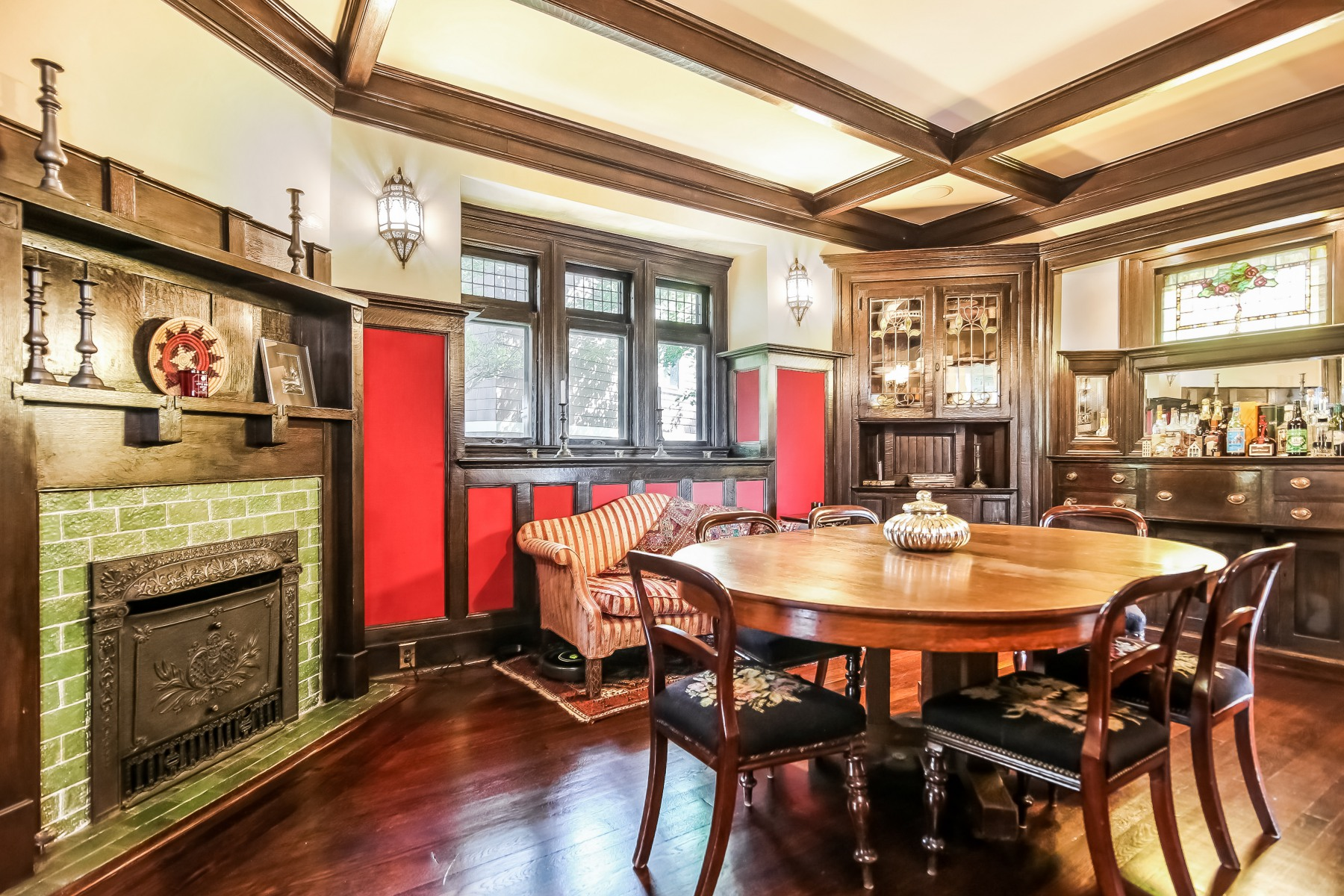 A home meant for the big screen william pitt sotheby 39 s for 10 dobbs terrace scarsdale