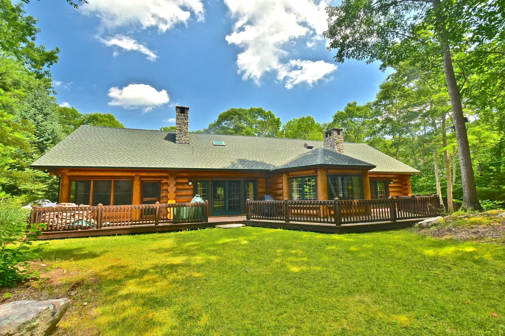 Log Cabin Escapes William Pitt Sotheby 39 S Realty