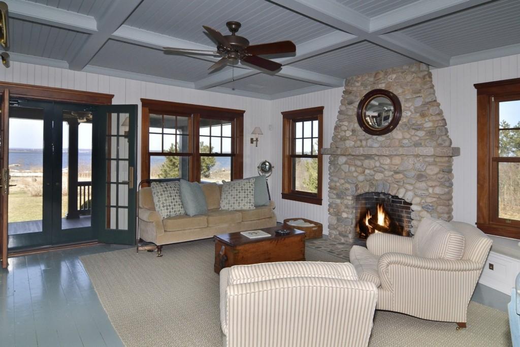 Guest Cottage-2