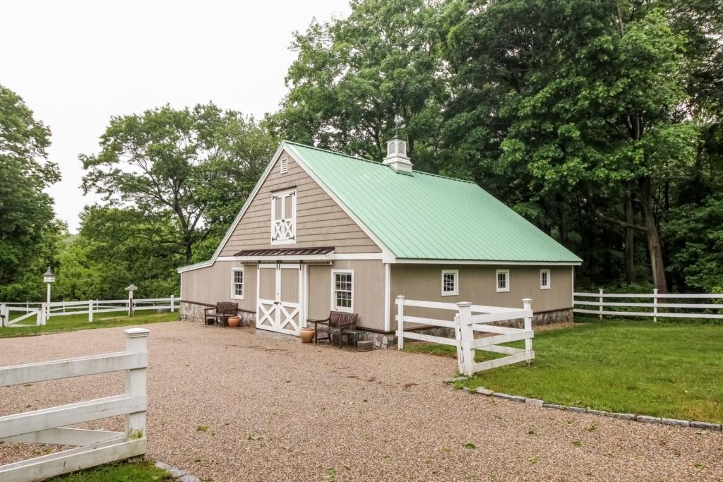 Pole Hill-Barn
