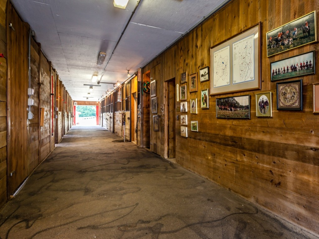 highmeadow-barn